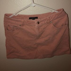 Forever 21 pink skirt size large but fits medium